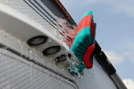 Nettoyer la carrosserie de son camping-car